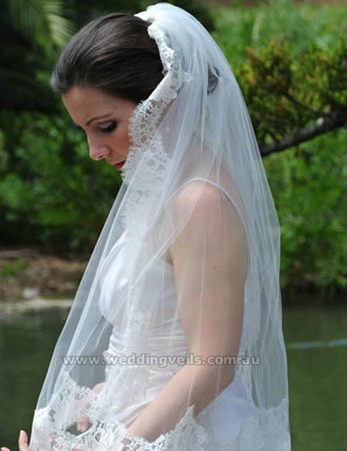 WeddingVeilsEstelleMantillaVeil-02