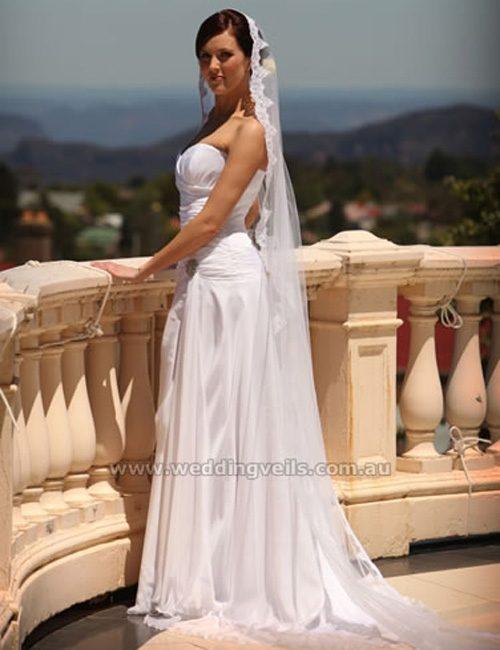 WeddingVeilsJaquleineMantillaVeil-01