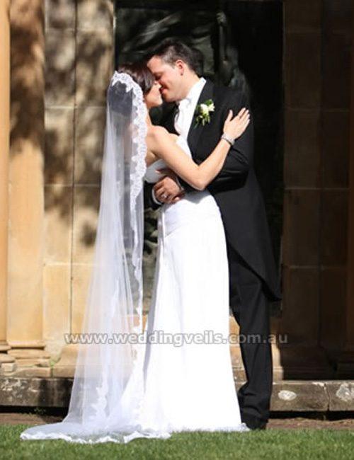 WeddingVeilsJaquleineMantillaVeil-03