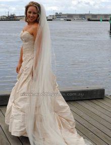 WeddingVeilsRomanceChapelSTVeil-01