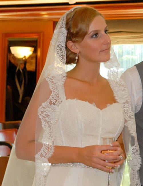 WeddingVeilsStephanieMantillaVeil-03