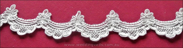 LaceEdgings-Flower-Scalloped-Lace-700w