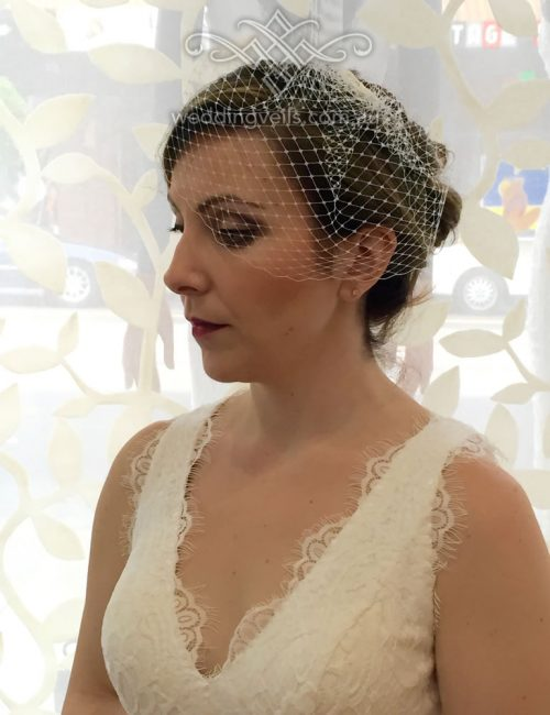 Emily-Birdcage-Veil-02a