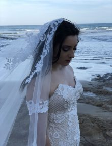 lace drop veil for modern wedding dress